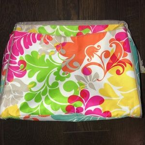 Thirty-one over night toiletry bag